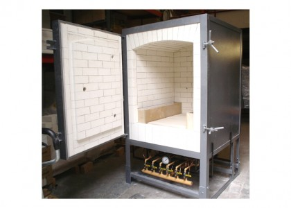 Potclays Thor NGK240 Gas Kiln. Capacity 23.8cf or 674 litres