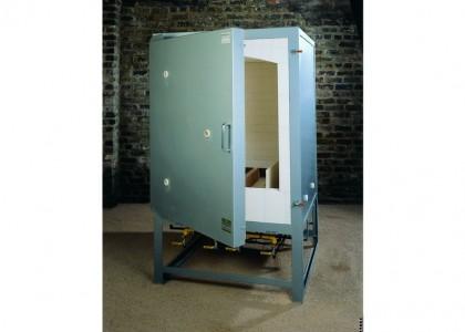 Potclays Thor NGK400 Gas Kiln. Capacity 40.0cf